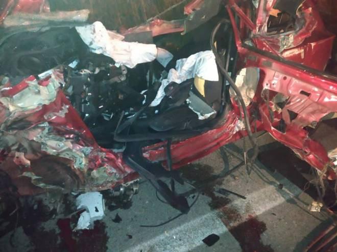 Θρήνος σε Βάρδα και Μανωλάδα από τη νέα τραγωδία στην Πατρών - Πύργου: Νεκροί δύο 25χρονοι μετά από σφοδρή σύγκρουση δύο φορτηγών και ΙΧ - Στην Πάτρα μεταφέρθηκε μία κοπέλα (photos)