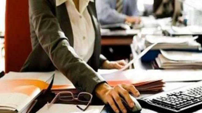 Μειώσεις φόρων σε Tουρισμό, Eστίαση και Mεταφορές, επιδότηση μισθών και θέσεων εργασίας ανακοινώνει η κυβέρνηση