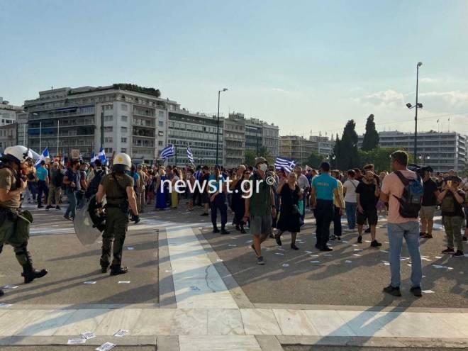 diadhlwsh_syntagma_ours_2107_5-1200x900.jpg