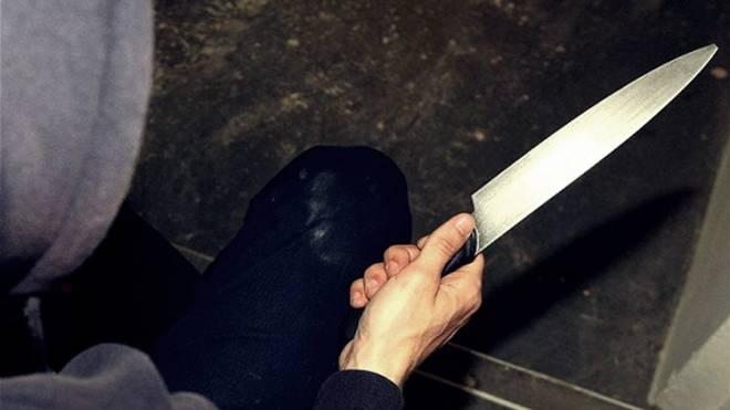 Αποτέλεσμα εικόνας για μαχαιρωσαν