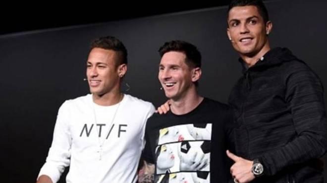 af33b5d3923 FIFA: Μέσι, Ρονάλντο, Νεϊμάρ για τον τίτλο του κορυφαίου της χρονιάς ...