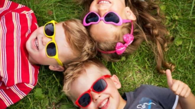 Τι πρέπει να προσέξετε στην αγορά παιδικών γυαλιών ηλίου  ac053d3840b