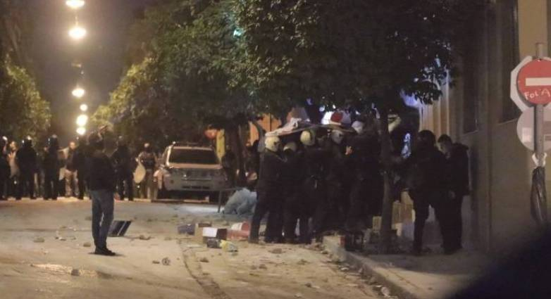 Κουκάκι: Η αστυνομία μπήκε στο υπό κατάληψη κτίριο στην Ματρόζου - Πέντε συλλήψεις από την επιχείρηση της ΕΛΑΣ